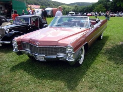 Cadillac_DeVille_Convertible_1965-1968